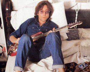 Lennon nightswithalicecooper